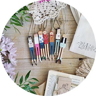 collane-legno-dipinte-a-mano-caratteristiche