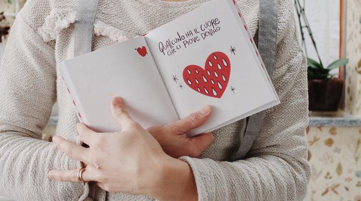 #uncuorechecipiovedentro, libro, cuore, qualcuno ha il cuore